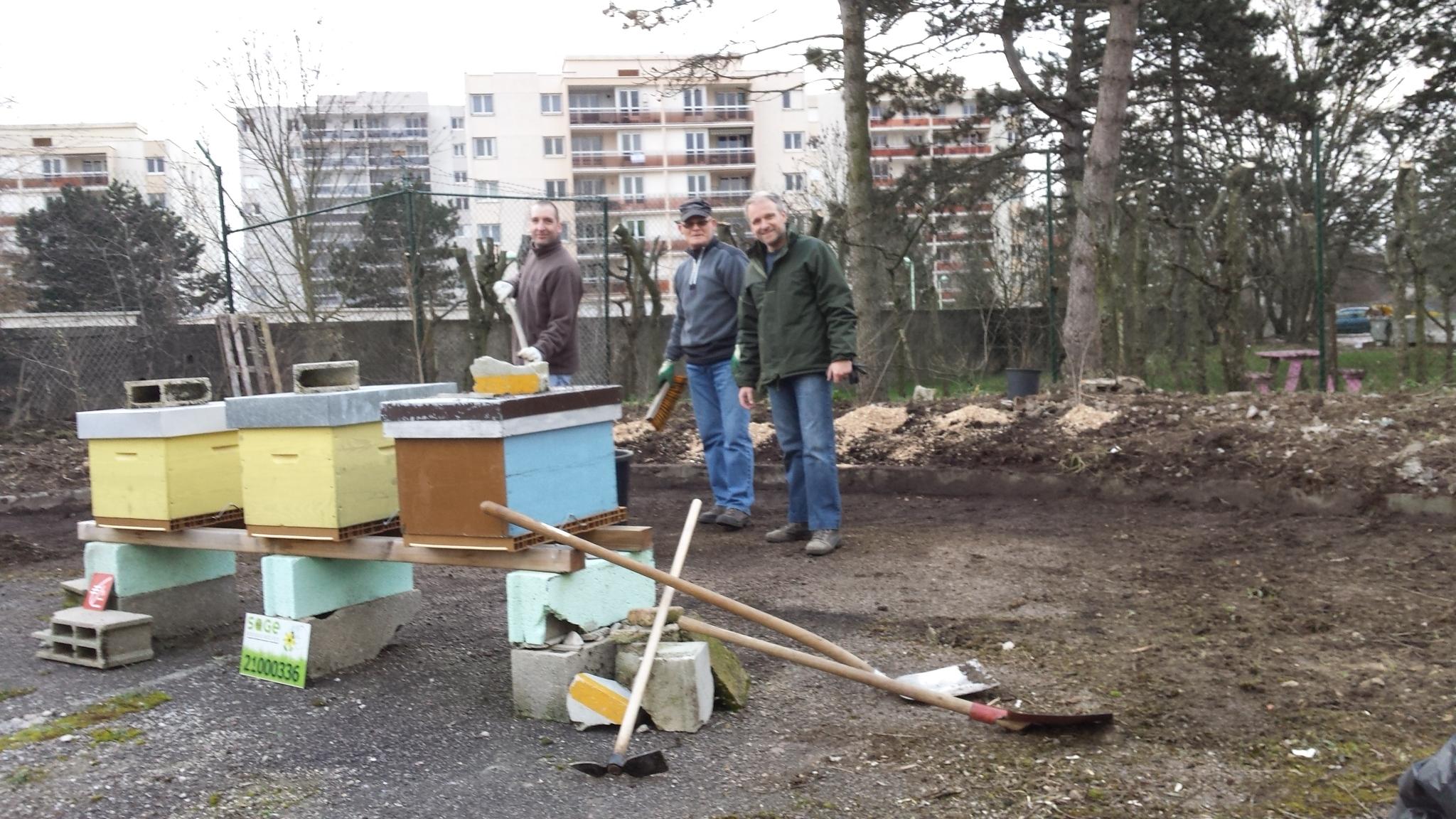 16 01 Nettoyage Du Site Deflandre Des Abeilles En Ville